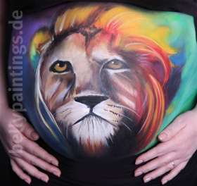 Bellypainting colorful lion